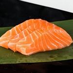 sashimi salmone